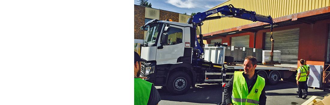 Camion grue auto-déchargeable Renault